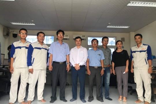 Lãnh đạo sở công thương tới thăm và tặng hoa công ty TTP Phu Yên nhân ngày doanh nhân Việt Nam