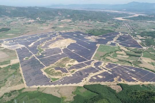Thai industrial group powers up 2 huge Vietnam solar farms
